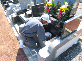 宮川石材株式会社/真心を込めて想いを形に。墓石の【施工スタッフ】※未経験歓迎!